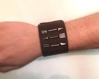 Arrows Leather Wristband