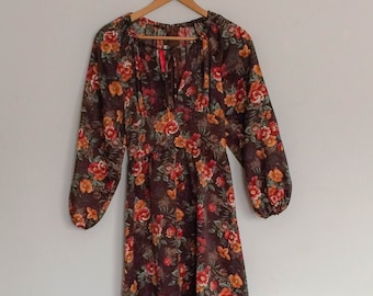 1970s Young Rebel Floral Dress with Long Sleeves Vintage