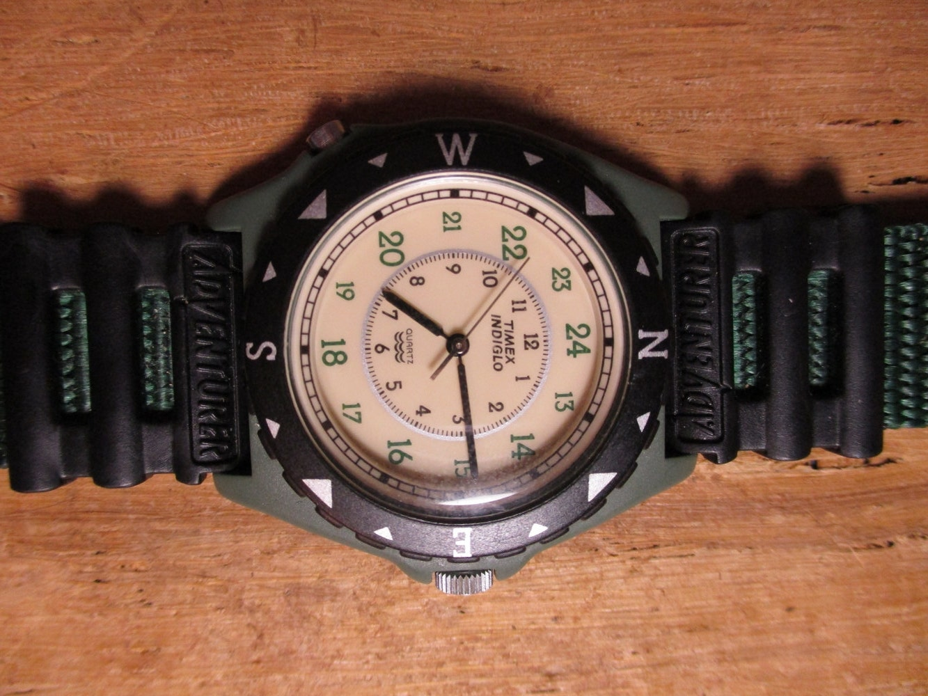 Vintage 1980s timex indiglo quartz 376 ma cell water resistant for Indiglo watches