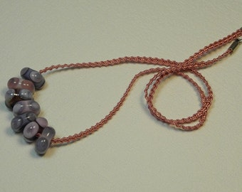Necklace, ras braided Ribbon Mokuba neck, pink, with 7 glass square beads decorated with points, mauve, pink, violet and lavender