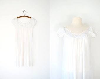 Vintage 70s White Lace Nightgown by Miss Elaine, Medium
