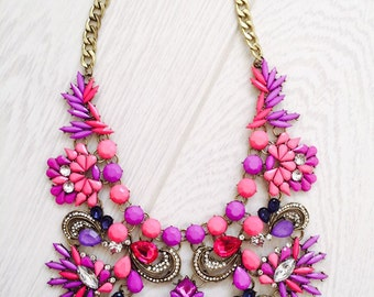 Beautiful large pink vintage style statement necklace