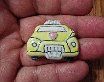 VINTAGE ceramic taxi very nice handmade Brooch/zm1