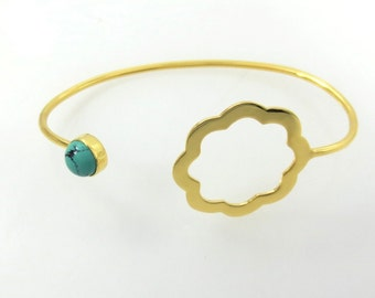 Flower handcuff with pearl or gemstone
