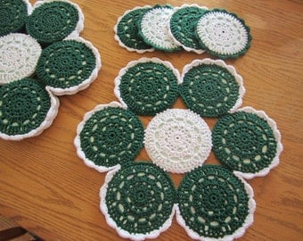 Green and White Crocheted CD 4 Placemat Set, Christmas Placemats, Recycled CDs, Flower Placemat, Complimentary Coasters