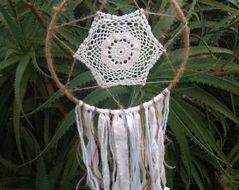 Handmade Recycled Doily Star Dreamcatcher // Boho Dreamcatcher // Wall Hanging