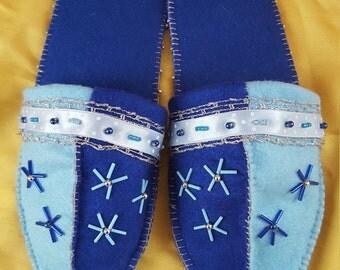 Felt finches 1001 - Navy Blue - light blue