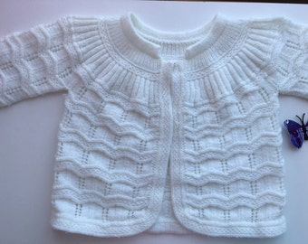 Vintage early 80s beautiful white intricate hand knitted cardigan size 0-6 months