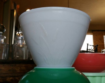 Vintage Splash Proof Cattail Milk Glass Bowl