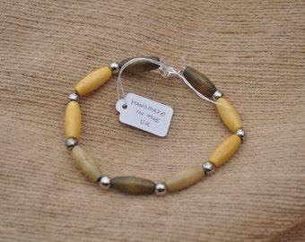 Wooden bead bracelet - boho