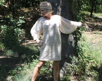 MUST SEE! Hat and Dress in the Style of Jackie Kennedy, Authentic Vintage Dress, Retro Dress