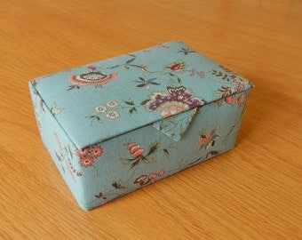 Fabric Covered box, hand stitched box, padded box, lined box, gift box, keepsake box, trinket box, jewellery box, storage box