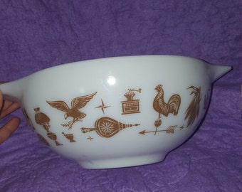 Pyrex early American cinderella mixing bowl