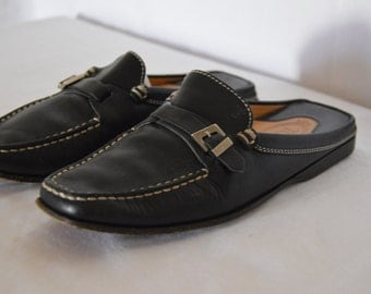 SALE!!! Tods slip on driving Mule Black Leather with buckle.