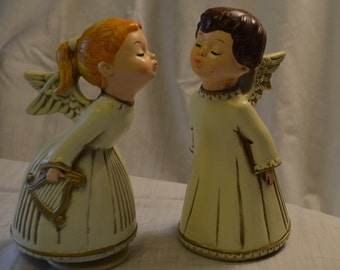 "Kissing Angels Music Box Plays ""Lara's Theme"" from Dr. Zhivago Hand Made in My Japan"