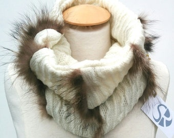 Neck (scarf) fur recycled