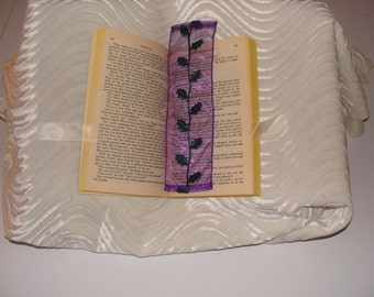 Appliqué bookmark - mass market paperback