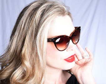 Vintage 90s does 1950s Cat Eye Sunglasses