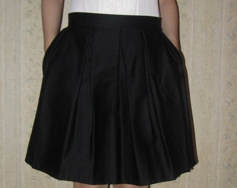 Skirt with pockets, size S and M