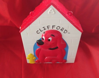 Clifford the Big Red Dog- Play House and Clifford Toys