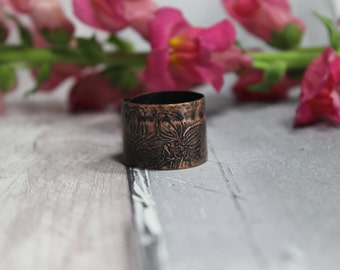 Oxidized etched copper adjustable ring