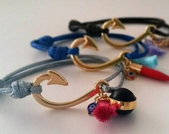Hook - gold - adjustable clasp bracelet