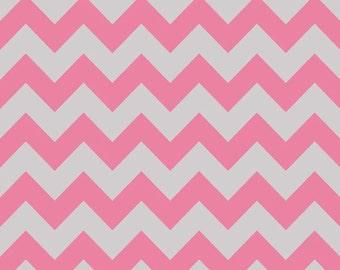 Riley Blake Designs - Medium Chevron - Hot Pink/Gray - 1 YD