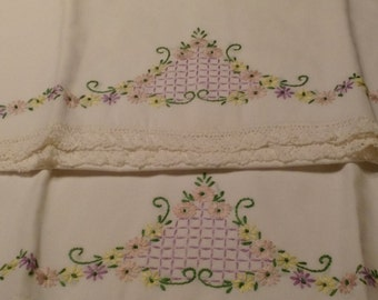 Hand Embroidered Pillow Cases w/Lace Edging C1102