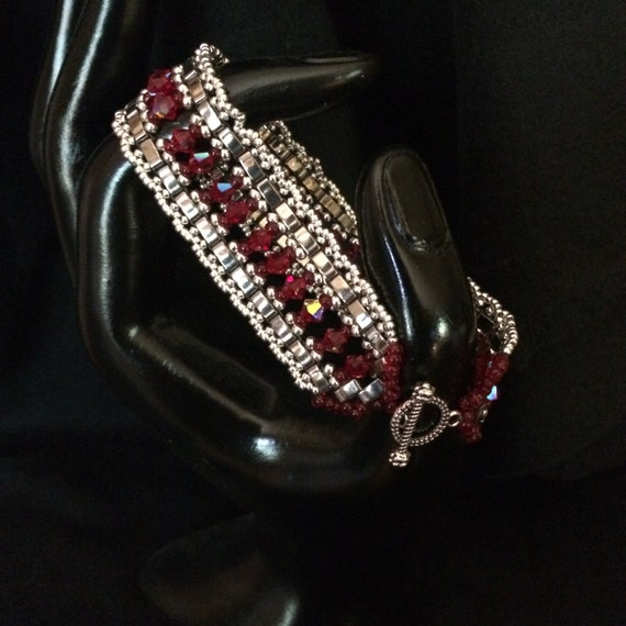 NO 46 Hand woven glass and crystal bracelet
