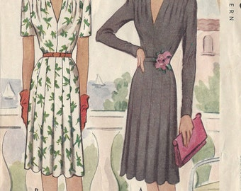 "1943 Vintage Sewing Pattern DRESS B36"" (39) McCall 5099"