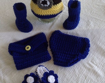 Baby minion sets with hat diaper cover and your choice of boots or flip flops