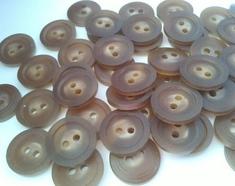 20 Brown Buttons 14mm Sewing Knitting Crafts A82