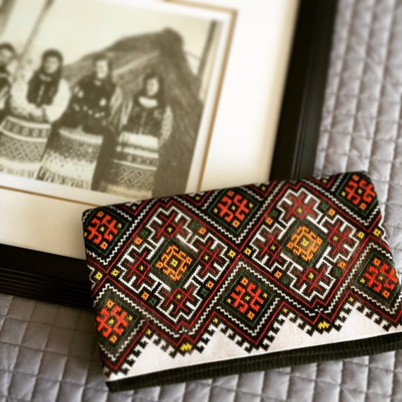 Clutch with vintage ukrainian embroidery