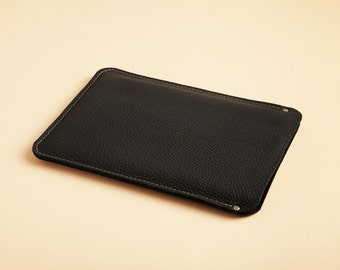 Laptop sleeve - True black leather - available in assorted colors