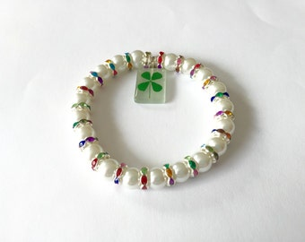 St. Patrick's Day Lucky 4 leaf clover charm bracelet with shamrock charm and rainbow rhinesones and pearls.