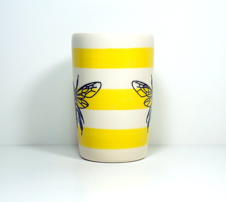 18oz tumbler featuring a Honey Bee print on Yellow stripes. Made to Order.