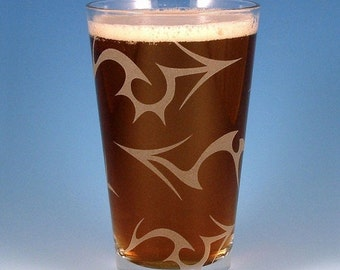 SUMMER SALE Tribal Arrows Pint Glass - Etched Glassware - Custom Made to Order