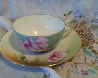 Beautiful antique Victorian R.S. Germany hand painted floral cup and saucer, nice condition, very pretty floral pattern and colors, lovey!