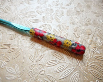 Polymer Clay Floral Covered Crochet Hook, Boye, Size J