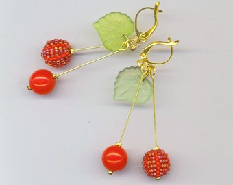 Beadwoven Cherry Earrings . Red Beaded Beads . Cherry Cherries . Kiwi Green Acrylic Leaves - Christmas Cherries by enchantedbeads on Etsy
