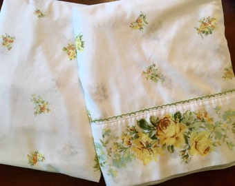Springmaid Marvelaire King Bedding Set - Yellow Roses - Flat & Fitted - Beautiful Yellow Rose Bedding - No-Iron Muslin
