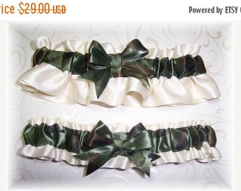 SALE 10% OFF Camouflage Wedding Garter Set Ivory BB