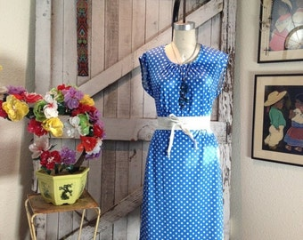 On sale 1970s dress polka dot dress 70s dress blue and white dress size medium Vintage dress casual dress summer dress