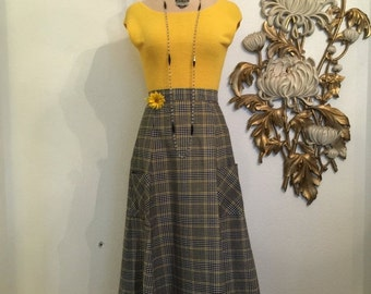 Fall sale 1960s skirt maxi skirt gingham skirt size medium skirt with pockets 27 waist black and yellow fritzi