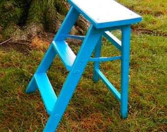 Primitive Cottage Chic Retro Rustic Step Ladder / Vintage Folding Step Stool / Farmhouse Kitchen / Plant Stand /Display
