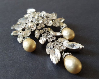 Large Weiss Rhinestone & Baroque Pearl Dangling Brooch {Bridal Jewelry Vintage Signed Runway Diamante 1960s 60s Discotheque}