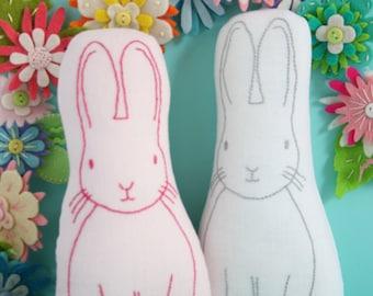 Jingle Bunny : bunny plush pattern, bunny sewing PDF, rabbit plush, bunny soft toy, embroidered bunny, rabbit stitchery, rabbit pattern