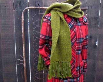 60s Green fringe scarf Long Vintage olive wool Scarf 60s vintage Scarf Warm Winter scarf Vintage fringe muffler