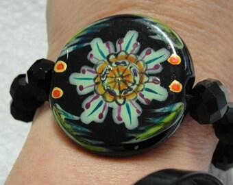 Elegant Floral Black Beaded Bracelet
