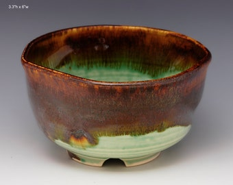 Porcelain chawan  (teabowl) multiple glazes with storage box